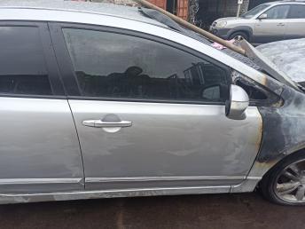 Дверь передняя правая Honda Civic 4D 8 67010SNAJ00ZZ