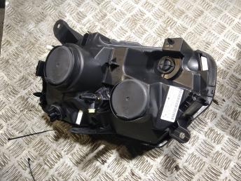 Фара правая Renault Duster рестайлинг 260105828R