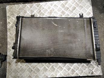 Радиатор охлаждения двигателя 214005PA0A