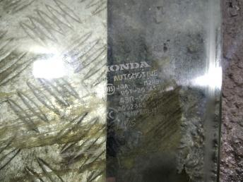 Стекло передней левой двери Honda Civic 4D 8 73450SNAA00