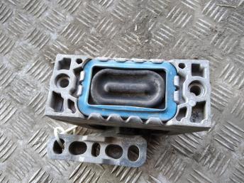 Опора двигателя правая VAG 96322965