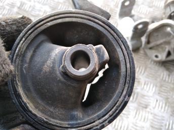Опора двигателя правая Mitsubishi Lancer 10 MN184295