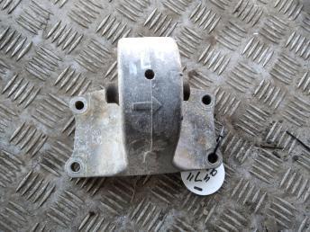 Опора двигателя КПП левая Nissan 1122095F0A