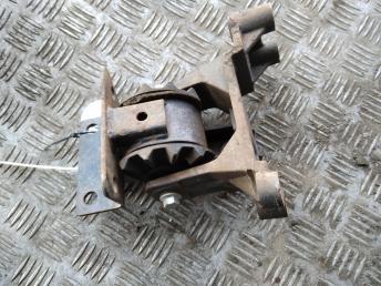 Опора двигателя КПП левая Chery Tiggo T111001110BA