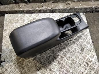 Консоль между сидений Mitsubishi Lancer 9 MR626773