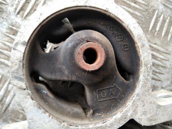 Опора двигателя передняя Nissan 8K0399263K