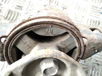 Опора двигателя правая Chevrolet Aveo 96806632