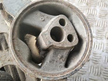 Опора двигателя правая Daewoo Matiz 96322965