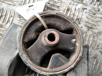 Опора двигателя задняя Kia Ceed/i30 219301H000