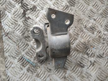 Опора двигателя правая Opel Corsa D 468646740