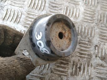 Опора двигателя Peugeot-Citroen 184468