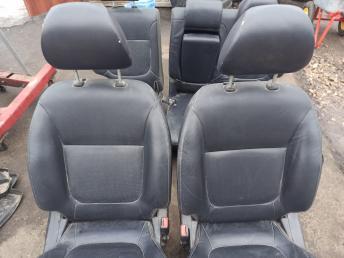 Сиденья комплект кожа Mitsubishi Pajero Sport 2