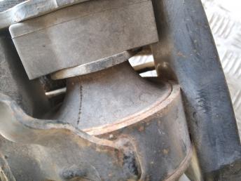 Опора двигателя правая Toyota Corolla E12 1230522270