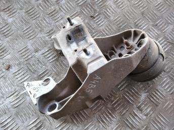 Кронштейн двигателя опора правая VAG 1,6 4B0199351B
