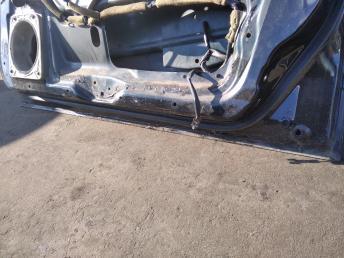 Дверь передняя правая Mitsubishi Galant EA MR273244