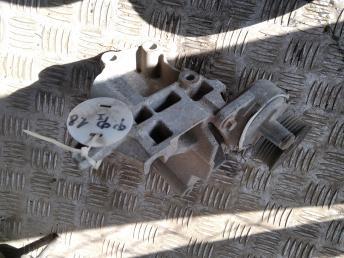 Кронштейн двигателя Ford 1134709