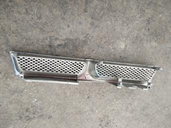 Решетка радиатора Mitsubishi Galant EA MR767366