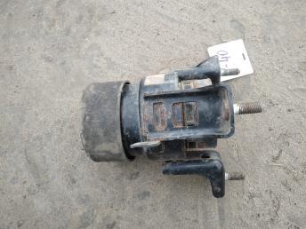Опора двигателя передняя Toyota Camry V40 12361-28220