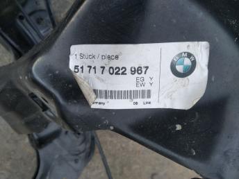 Левая часть телевизора BMW 7 E65/E66 51717022967