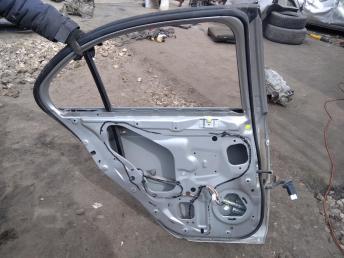 Дверь задняя левая Mitsubishi Lancer 10 5730A581