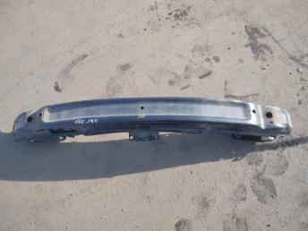 Усилитель переднего бампера Renault Laguna 2 7782148920