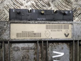 Блок управления двигателем Renault Laguna 2 8200278376