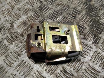 Кнопка багажника Renault Laguna 2 7701472930