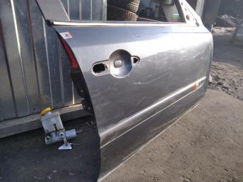 Дверь передняя правая Renault Laguna 2 8200001891