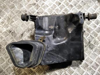 Корпус воздушного фильтра Chevrolet Cruze 13301778