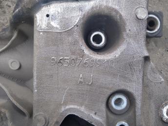 Балка подмоторная (подрамник) Peugeot 407 3502AK