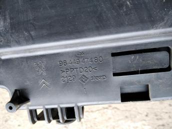 Блок предохранителей Peugeot 407 9655471980