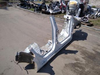 Порог правый Chevrolet Cruze 95218140