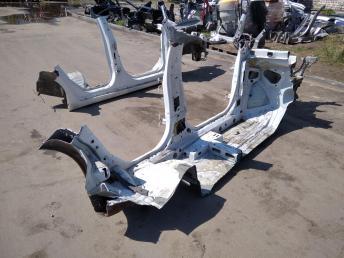 Порог левый Chevrolet Cruze 95218139