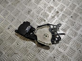 Моторчик заслонки печки Hyundai Solaris 971621JAA0