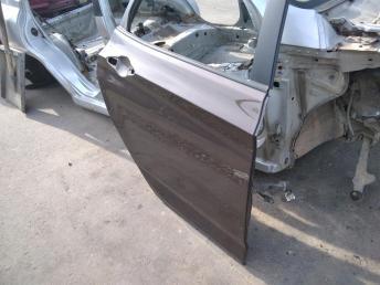 Дверь задняя правая Hyundai Solaris 770044L000