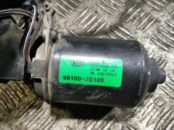 Моторчик стеклоочистителя Kia Sorento 1 981003E100