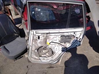 Дверь задняя правая Kia Rio 1 хетчбэк 77004FD310