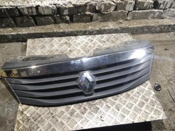 Решетка радиатора Renault Logan 8200752748