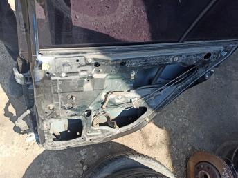 Дверь задняя правая Mitsubishi Galant 8 MN150252