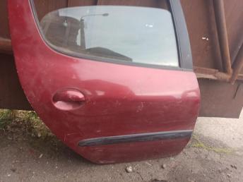 Дверь задняя правая Peugeot 206 9008A5
