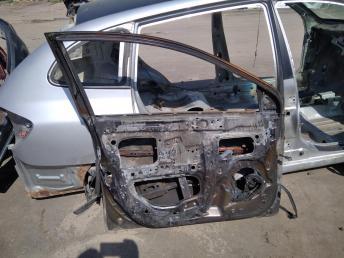 Дверь передняя левая Hyundai Solaris 760034L000