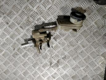 Цилиндр тормозной главный Honda CR-V 3 46101SWWG01