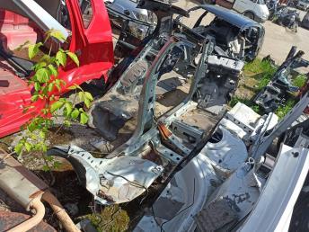 Порог левый Nissan Almera Classic B10