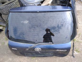 Стекло двери багажника Toyota Corolla E12 6810513121