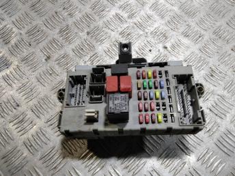 Блок предохранителей Fiat Doblo 51821412