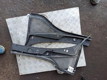 Водосток лобового стекла Skoda Octavia A7