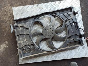 Вентилятор радиатора Skoda Octavia A7 5Q0121203AA