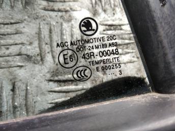 Форточка задней правой двери Skoda Octavia A7 5E5845214P5AP