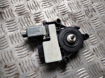 Моторчик стеклоподъемника Skoda Octavia A7
