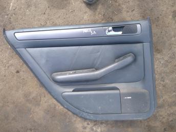 Обшивка двери Audi A6 C5 8D0121403L